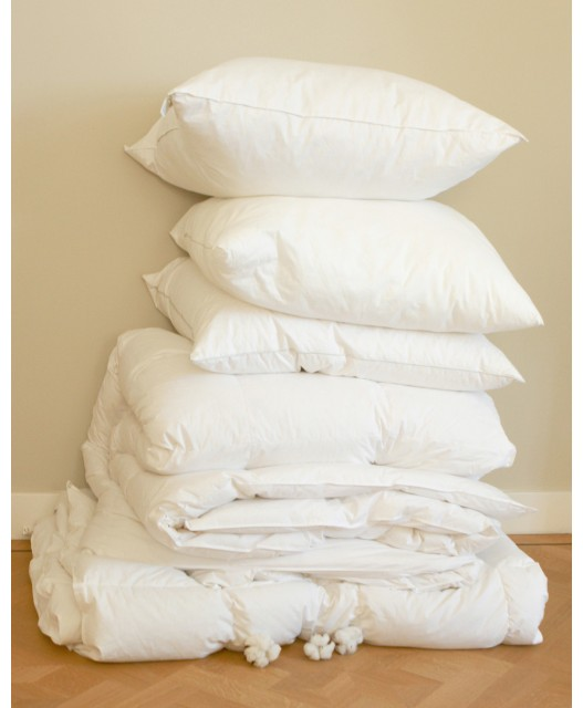Pillow, goose down and feathers. various degrees of firmness, Deluxe