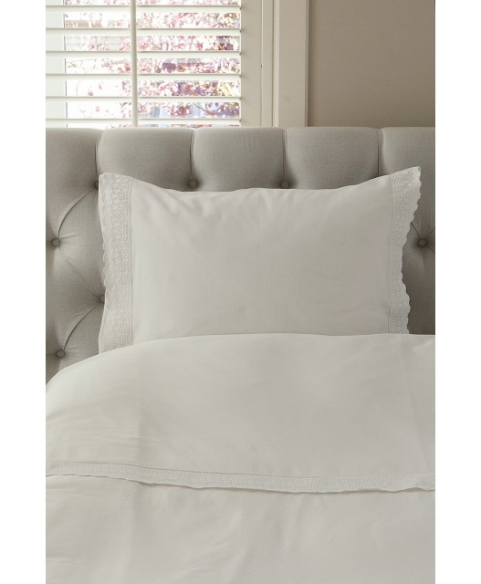 Duvet cover creamy white with lace, sateen 300 TC, Chilmark